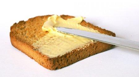 Российский диетолог рассказала, кому нельзя есть сливочное масло